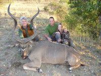 abysinian-kudu-with-amy-and-jason-rousos-on-their-honeymoon-2
